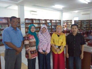 Perpustakaan staf