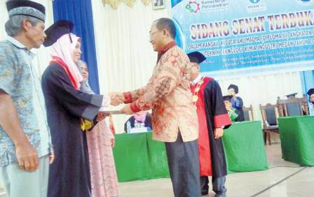 PTKI Medan Wisuda Lulusan D3 tahun 2016
